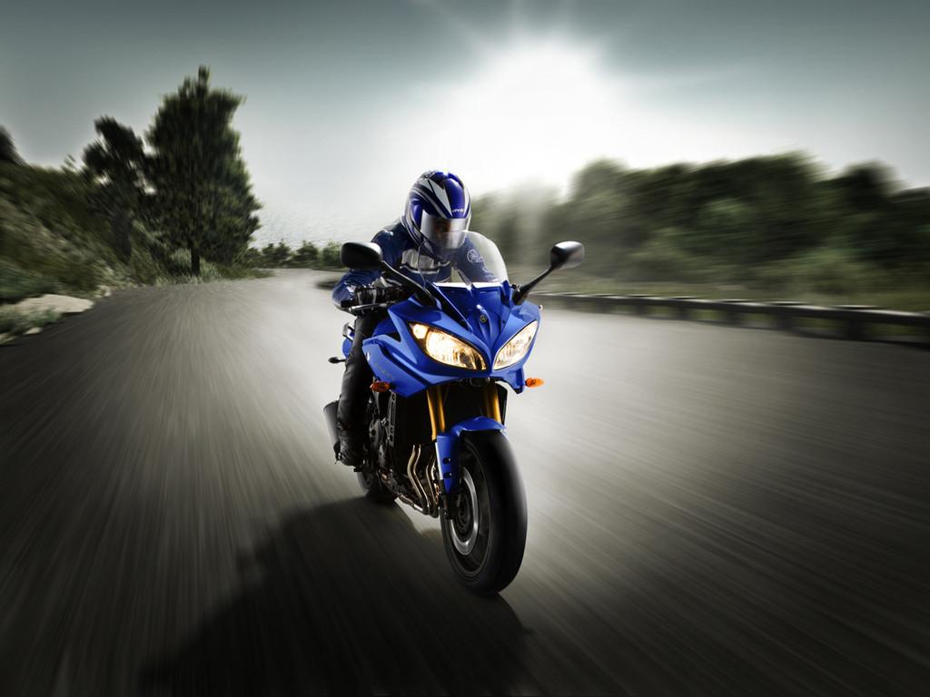 Foto de Yamaha Fazer8, el mismo producto con dos enfoques (8/16)