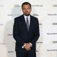 Esta imagen de Leonardo di Caprio y Brad Pitt juntos te hará amar la moda de los 70