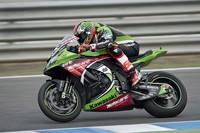 Tom Sykes se alza como campeón del mundo de Superbikes