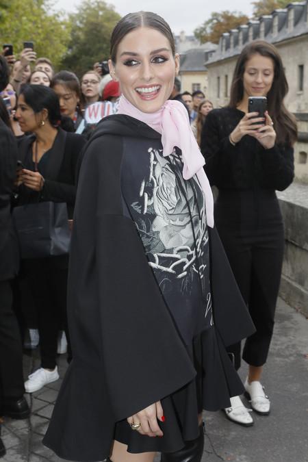 Definitivamente sí: vamos a amar la mini diadema trenza de Olivia Palermo