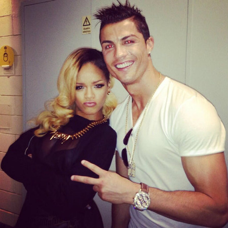Rihanna y Cristiano Ronaldo, dúo de chonis enjoyados