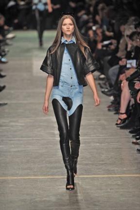 Givenchy Paris leggins