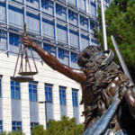 Los contratos temporarles tienen el mismo derecho a indemnización que los fijos según la UE
