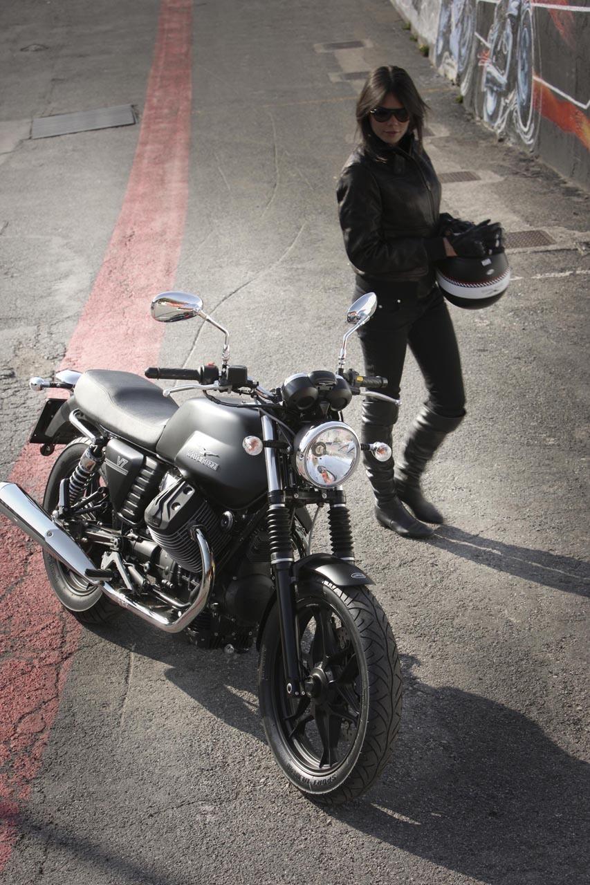 Foto de Moto Guzzi V7 Stone (39/57)