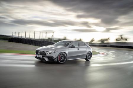 El Mercedes-AMG A 45 S de 421 CV ya tiene tiempo en Nürburgring, y se ha quedado a 8 segundos del Renault Mégane Trophy-R