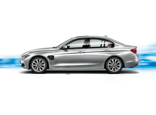 BMW 330e, la Serie 3 de BMW se enchufa a la corriente