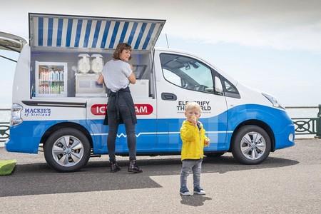 Nissan adapta su van e-NV200 100% eléctrica, como un ¡camión de helados!