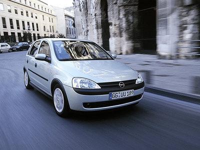 Manejamos el nuevo Chevrolet Chevy. El superventas evoluciona por el buen camino