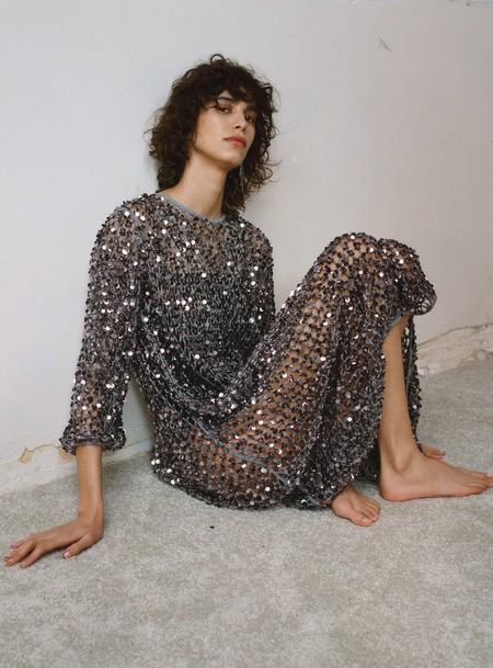 Los 11 vestidos de Zara que vas a querer llevarte en la maleta de Semana Santa