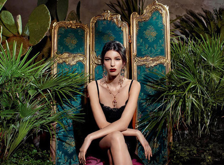 Los zarcillos isabelinos de Dolce & Gabbana presentados por Kate King