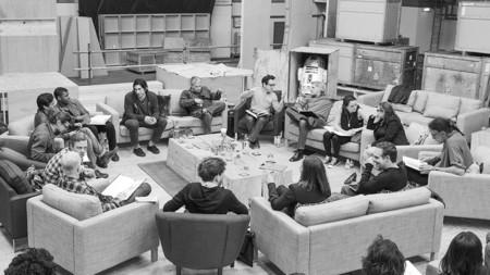 Abrams y Kasdan en la primera lectura del guion con el reparto