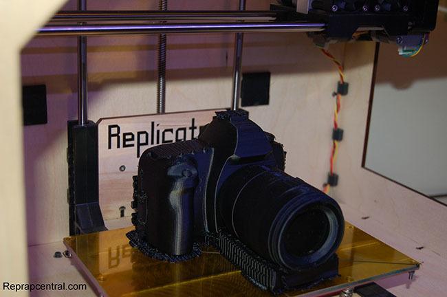 Replica en impresión 3D de una Canon EOS 5D Mark II
