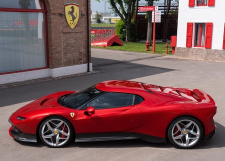 Ferrari Sp38 2018 1600 02