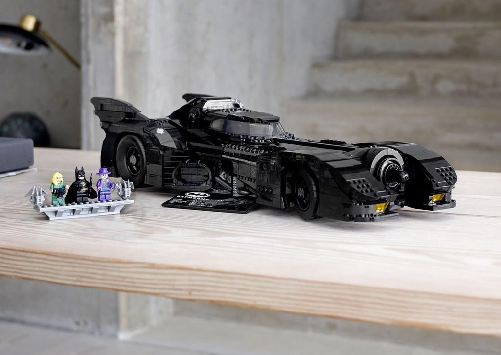 Lego lanzará un impresionante Batmóvil, el más grande hasta la fecha, para conmemorar los 30 años de 'Batman' de Tim Burton
