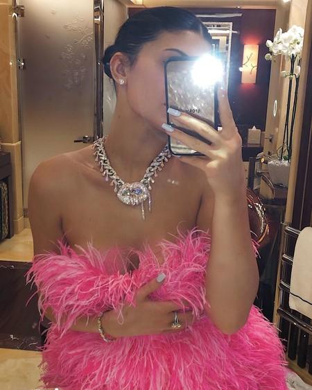 Blac Chyna le declara la guerra (de estilos) a Kylie Jenner al lucir el mismo vestido que llevó la empresaria en su cumpleaños