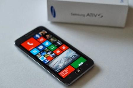 Microsoft pagaría a Samsung para que siga haciendo terminales con Windows Phone