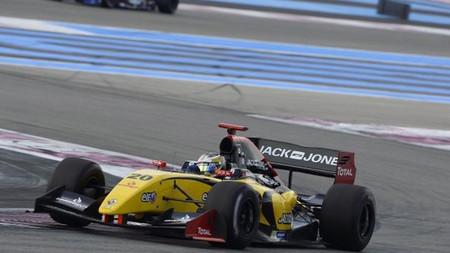 Kevin Magnussen gana en Paul Ricard y se acerca al título de la Fórmula Renault 3.5