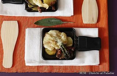 Receta de raclette de espárragos trigueros, picadillo de chorizo y patata asada