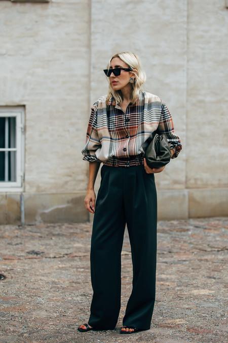 Cómo combinar una camisa de cuadros sea cuál sea tu estilo (con prendas que ya tienes en el armario)
