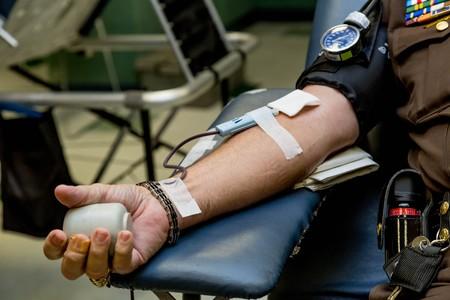 Estados Unidos acaba de aprobar el uso de plasma sanguíneo de pacientes recuperados como tratamiento para el coronavirus: esto es lo que sabemos