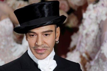 ¿Volverá John Galliano al mundo de la moda en 2011?