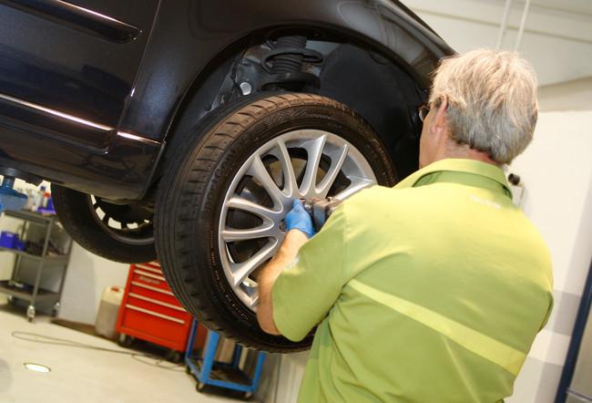 Mantenimiento del coche en el taller mecánico
