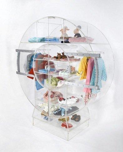 ¿Buena o mala idea?: un armario transparente