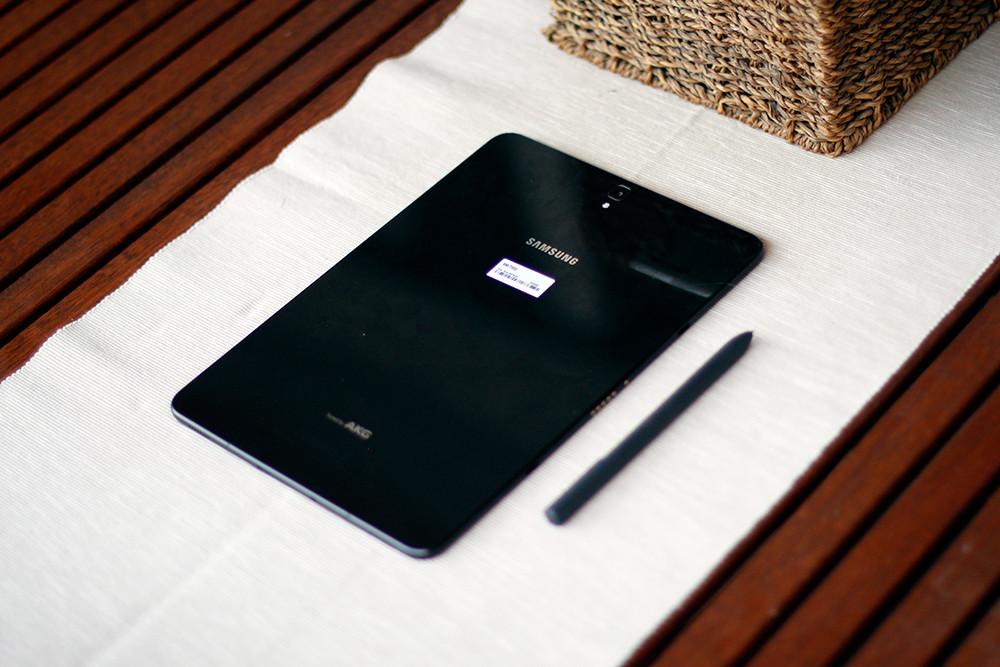 Galaxy Tab S3 18