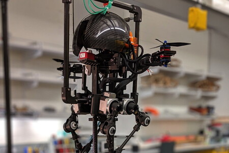 Contempla a Leonardo, dron volador y un robot bípedo capaz de subir a la cuerda floja y deslizarse en monopatín