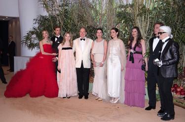 Copia el look (en versión low cost) de Tatiana Santo Domingo en el Baile de la Rosa