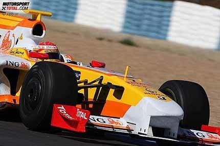 Hamilton reaparece y Alonso mejora los tiempos del R29