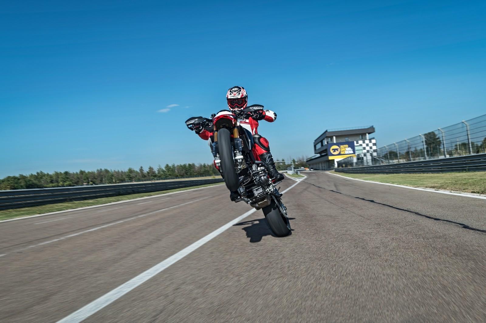 Foto de Ducati Hypermotard 950 2019 (12/76)