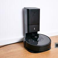 El robot aspirador más avanzado de Roomba se vacía automáticamente y hoy lo tienes a precio de Black Friday en El Corte Inglés