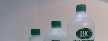 ¿Es buena idea echarse agua oxigenada en una herida?