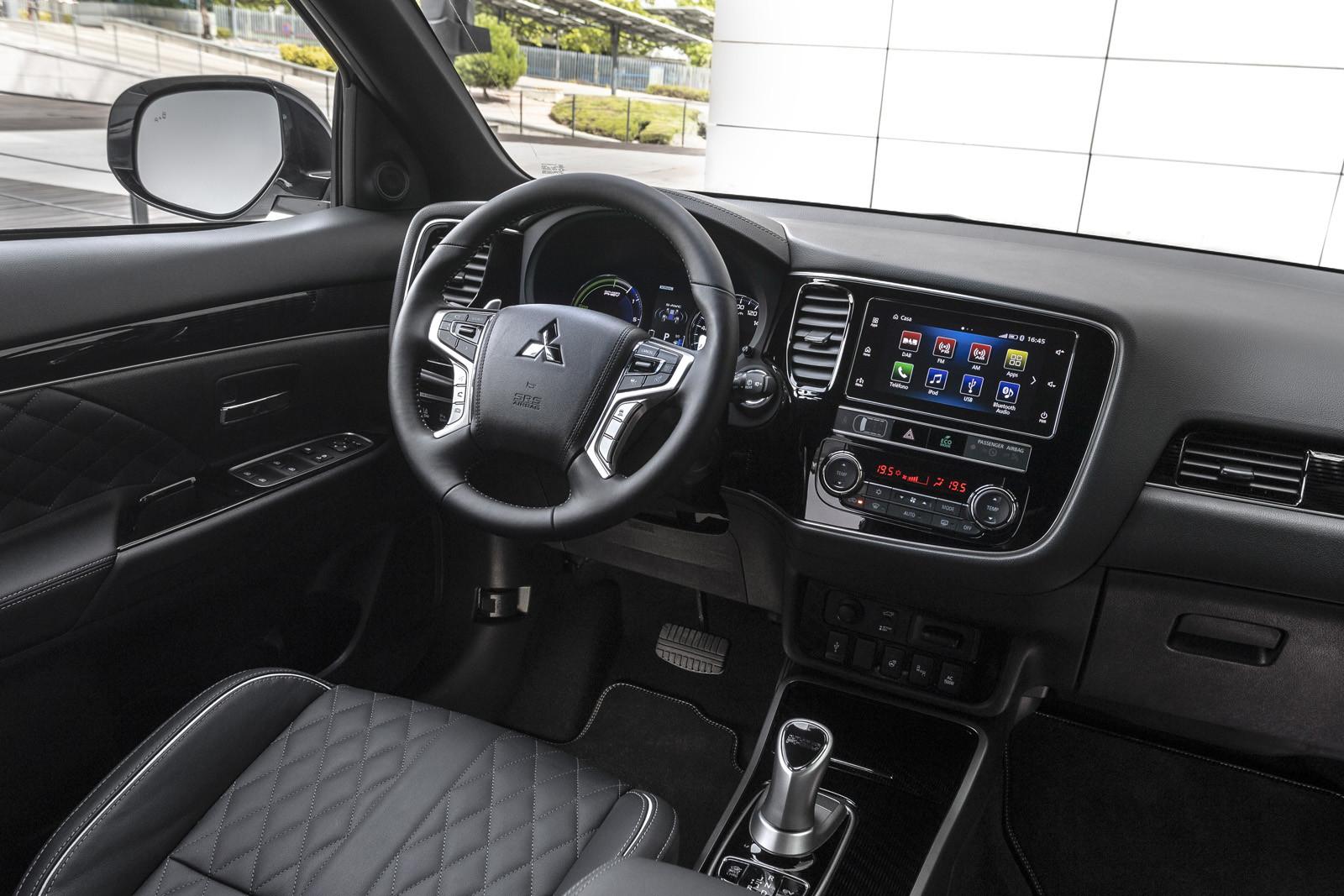 Foto de Mitsubishi Outlander PHEV 2019 (presentación) (43/69)