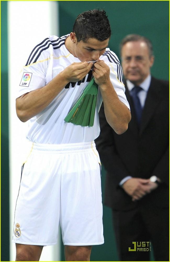 Foto de Presentación de Cristiano Ronaldo en el Real Madrid (5/6)