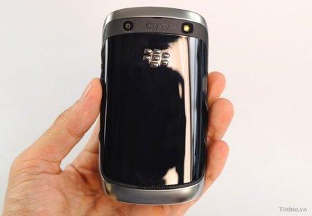 blackberry-curve-apollo-2.jpg
