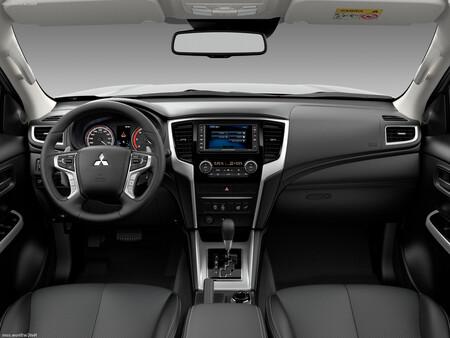 Mitsubishi L200 2022 Mexico 3