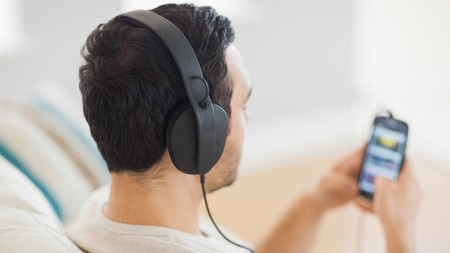 87935665 Thinkstock Headphones
