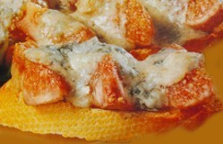 Tosta de higos gratinada