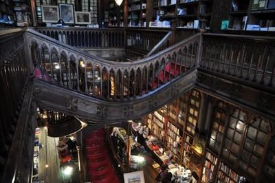 Lugares que tienes que visitar si eres amante de los libros (de los de verdad)
