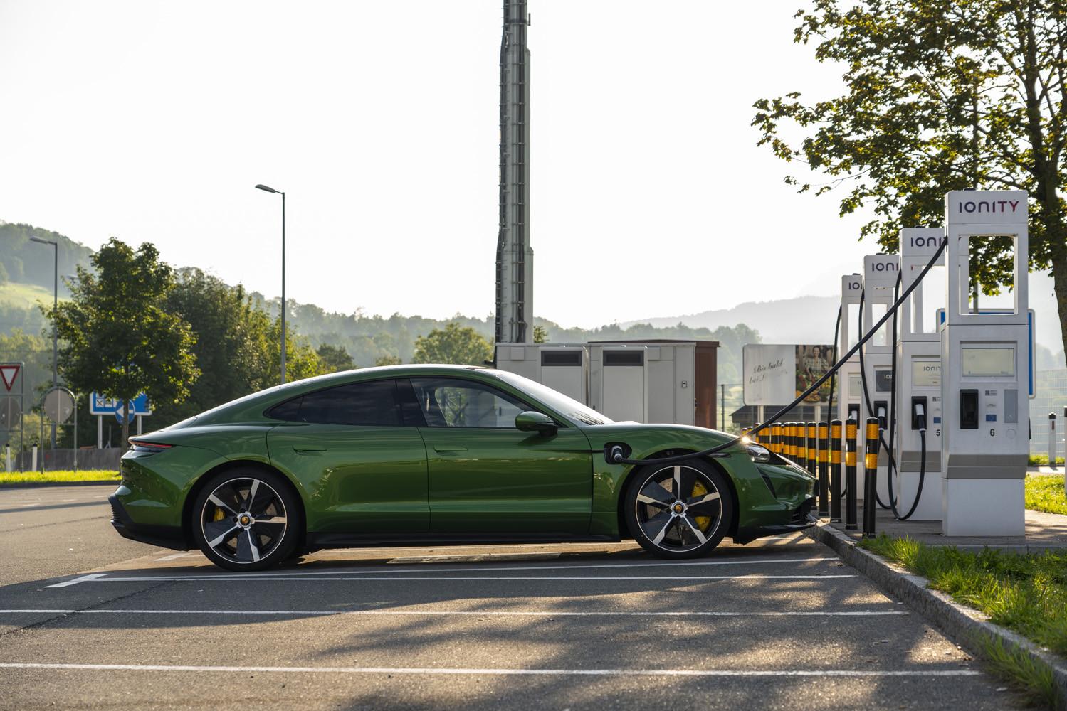 Foto de Porsche Taycan prueba contacto (251/275)