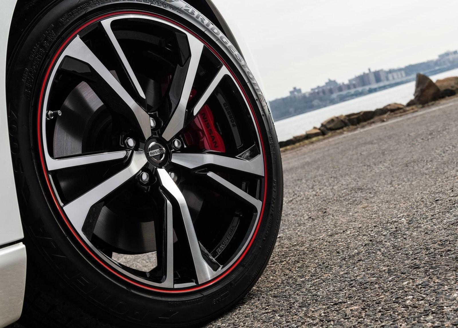 Foto de Nissan 370Z 50 aniversario (15/18)