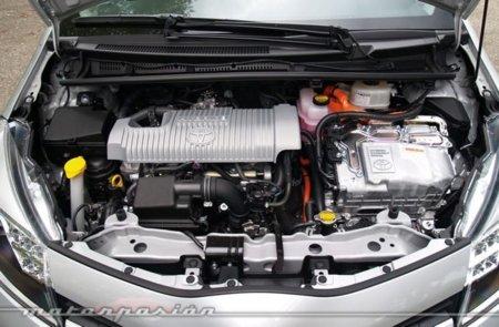 Motor del Toyota Yaris Híbrido (Foto P. Ibáñez)