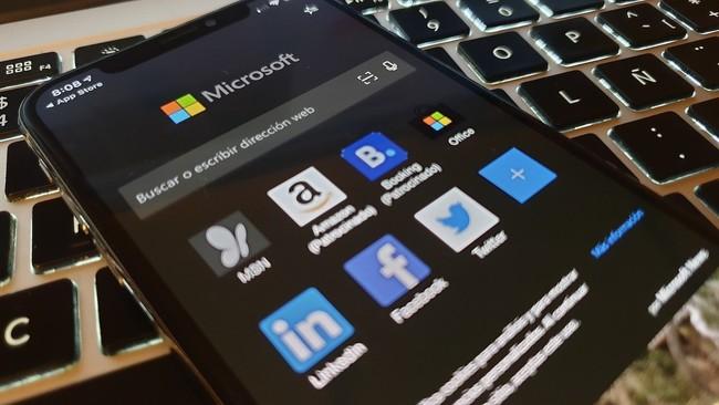 Microsoft quiere convencernos para que usemos Edge en iOS y lanza una actualización centrada en mejorar la usabilidad