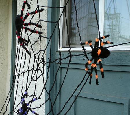 Siniestras (o no tanto) telarañas para decorar vuestra casa en Halloween