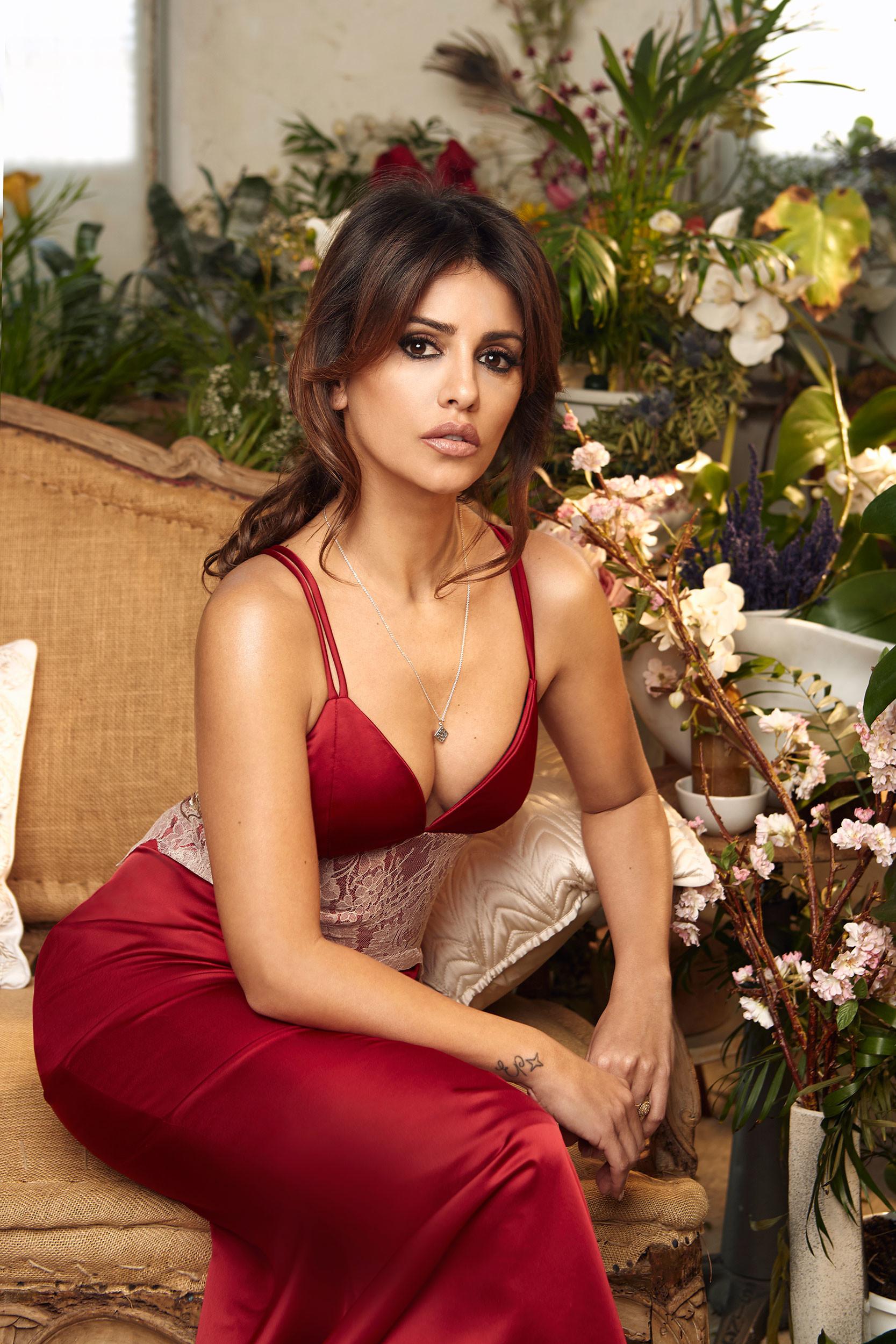 Foto de Mónica Cruz, más sexy que nunca, nos descubre una nueva firma de moda (3/10)