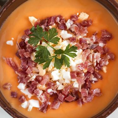 Cómo conseguir un gazpacho y un salmorejo fino, emulsionado y cremoso como el de los restaurantes (sin Thermomix)