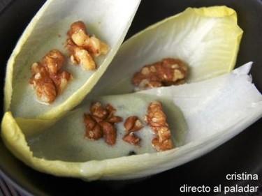 Receta de endivias con queso roquefort y nueces