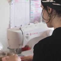 Si quieres aprovechar las vacaciones de Semana Santa para aprender a coser, ficha esta máquina Brother rebajadísima en Amazon